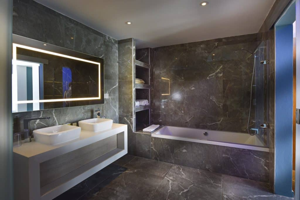 SSV Grand Suite bath 2