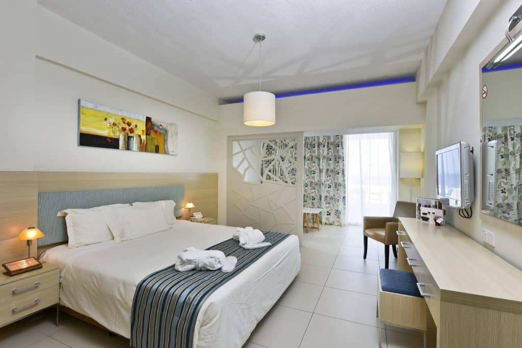 IV Junior Suite with Terrace 2