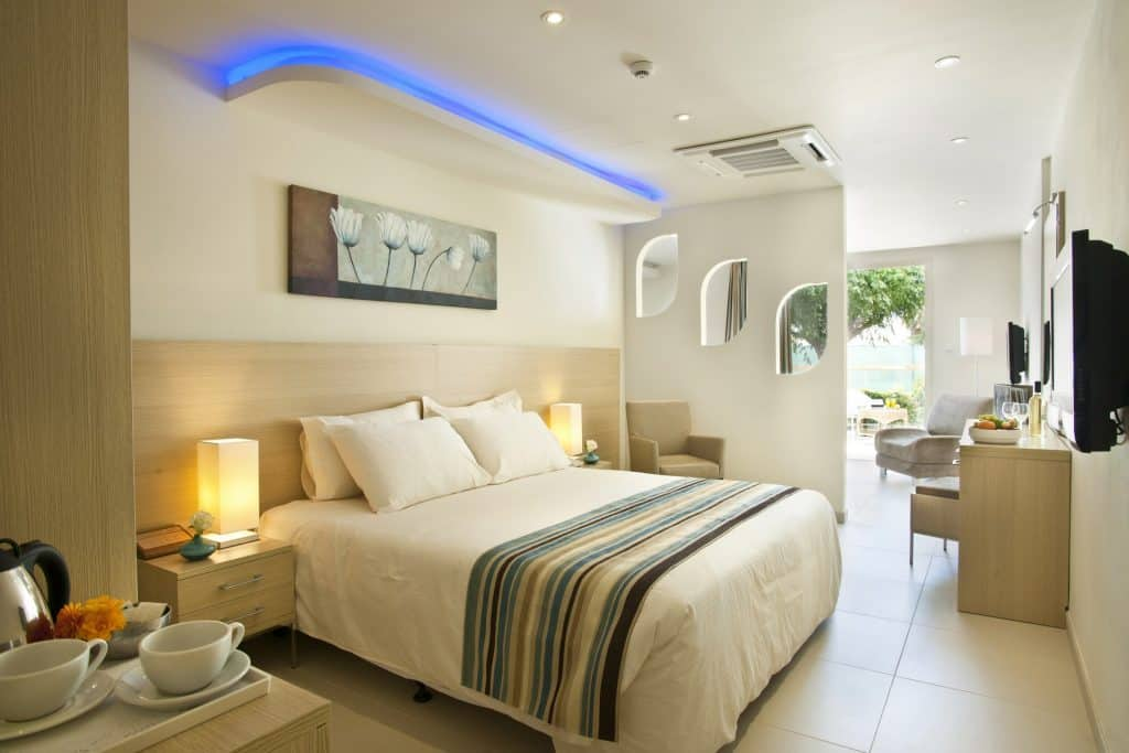 SSV Family Suite with Swim-up Pool 1