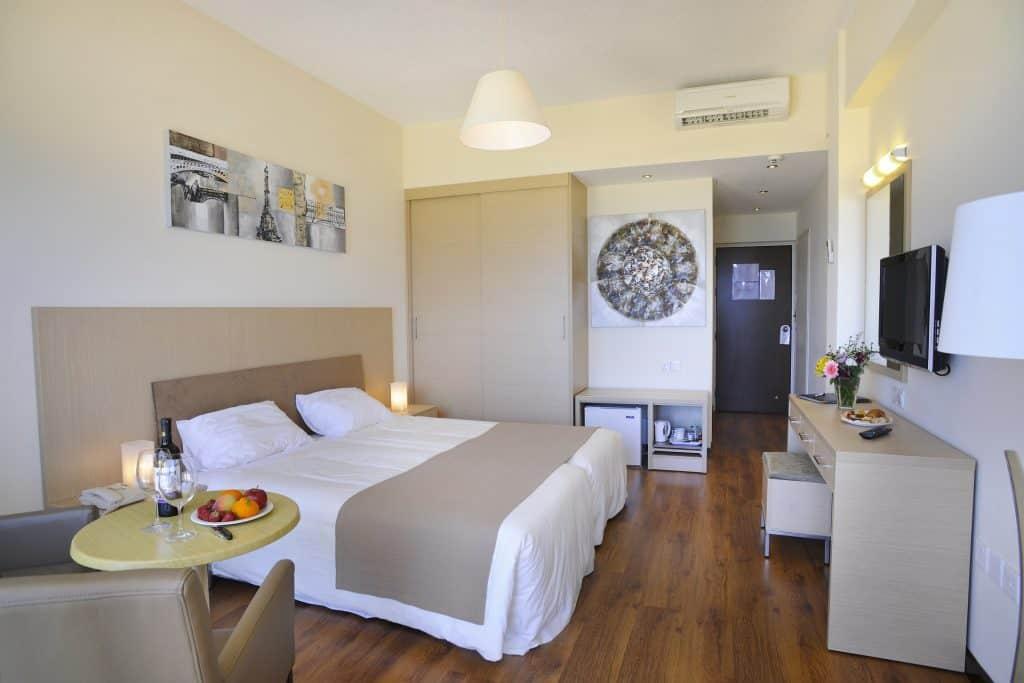 SV Room 2